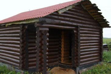 Морилка для дерева будет незаменима в деревянном доме